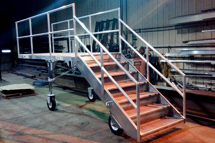 aluminum roll-out gangway