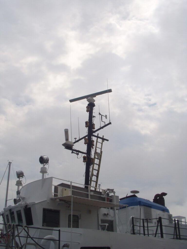 installation of new boat mast